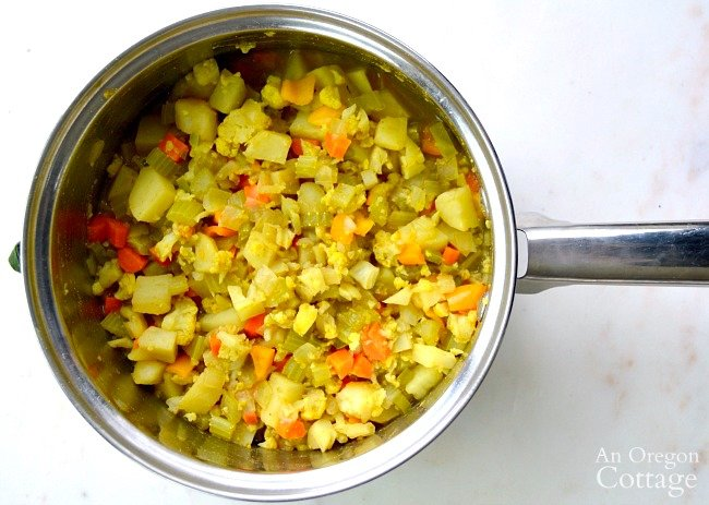 Cooked Indian Sub-jee in pot