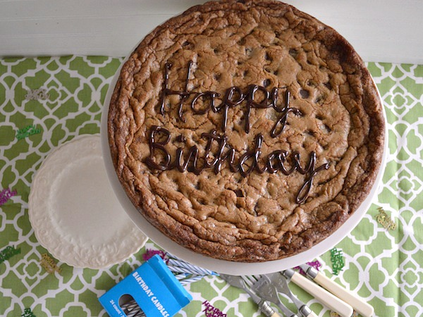 Giant Chocolate Chip Cookie - An Oregon Cottage