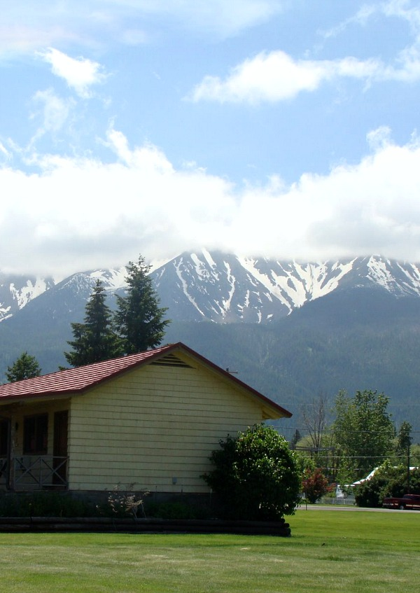 The artist town of Joseph Oregon at the base of the Wallowa Mountains
