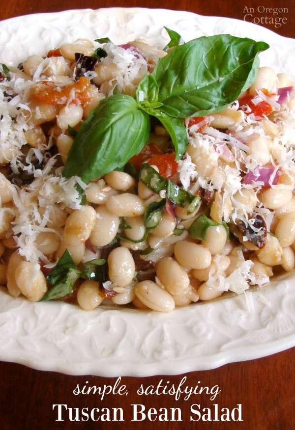 Tuscan White Bean Salad-a simple and satisfying salad. Perfect for potlucks!