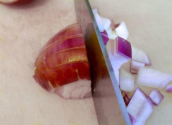 Tuscan bean salad-slicing onion step 2