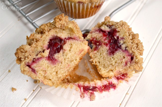 Cranberry Crumb Muffins with cranberry sauce filling.