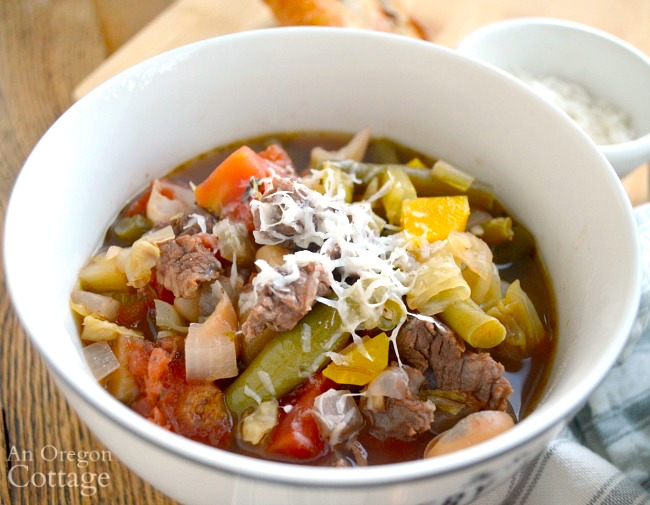 Slow Cooker Italian Vegetable Beef Soup close