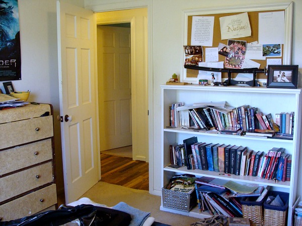 Extreme Room Makeover Before Bookshelf - An Oregon Cottage