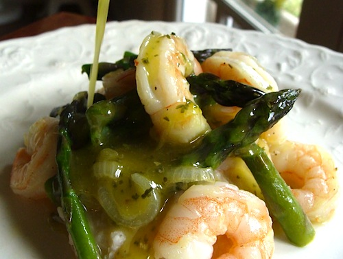Shrimp and Asparagus over White Bean Puree