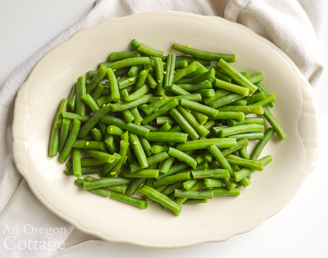 Cooked green beans on platter