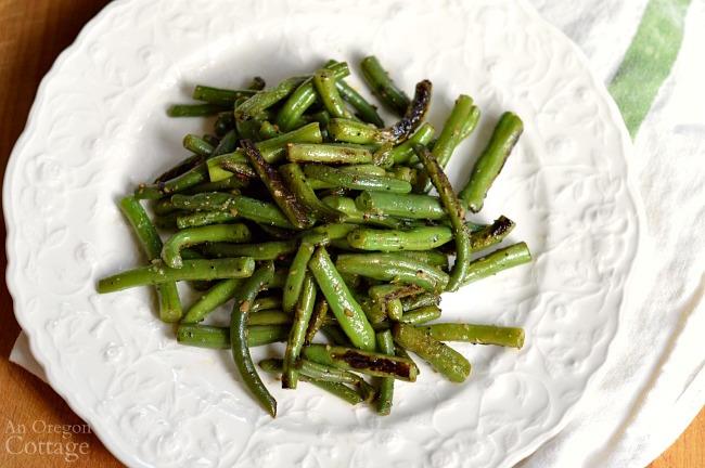 Flavorful spicy garlic green beans