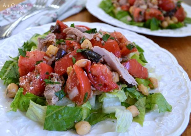 Greek-Tuna-and-Tomato Salad