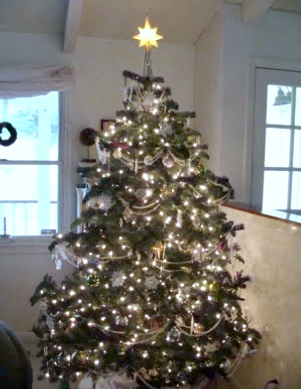 2010 Gold, Silver, and White Christmas Tree