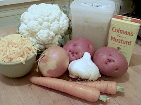 Cauliflower-cheese-soup-ingredients