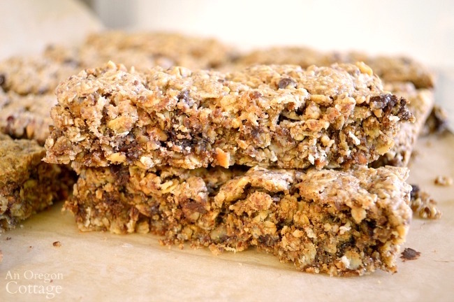 Chewy baked granola bars