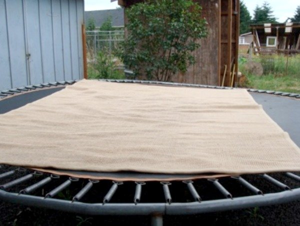 Jute rug on trampoline