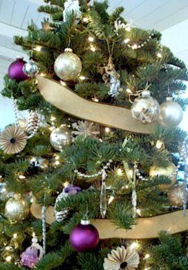 2011 Christmas Tree-close