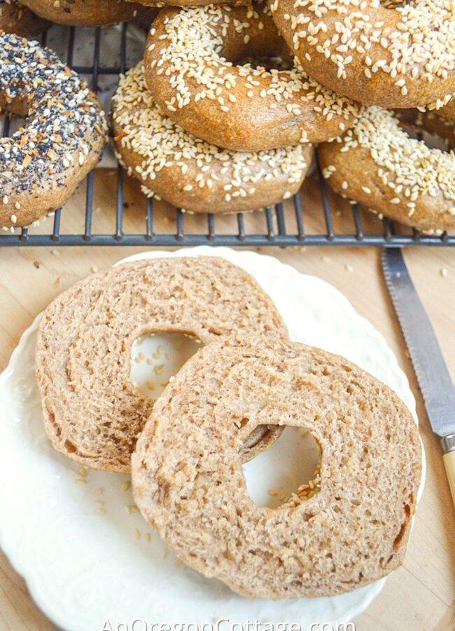homemade sourdough bagels_featured