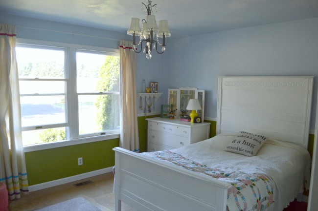 Blue and Green Girl's Vintage Bedroom