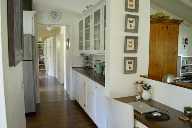 """2016 Cottage built-in desk and """"butlers pantry"""""""