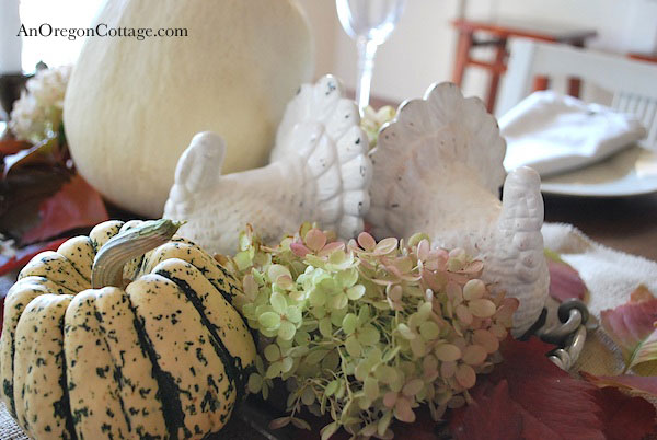 DIY White Rustic Turkeys (Pottery Barn Knockoff)
