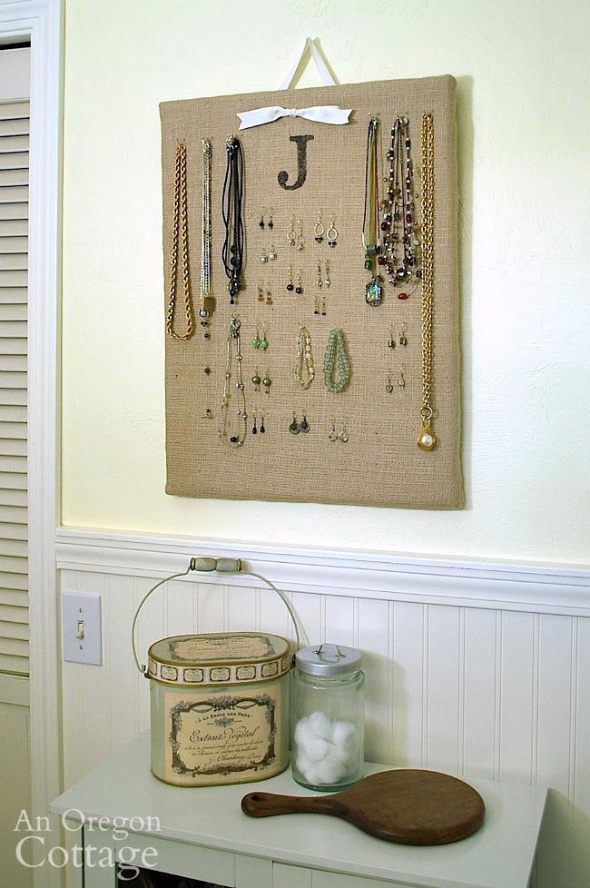Burlap jewelry board organizer