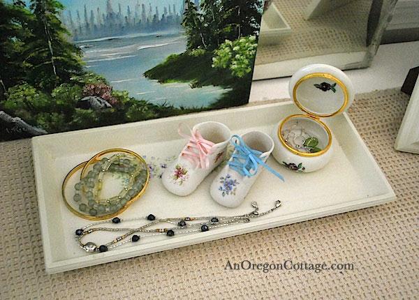 organize jewelry with a tray