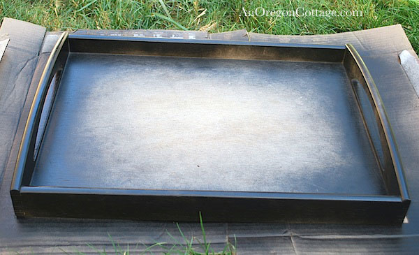 painting tray black
