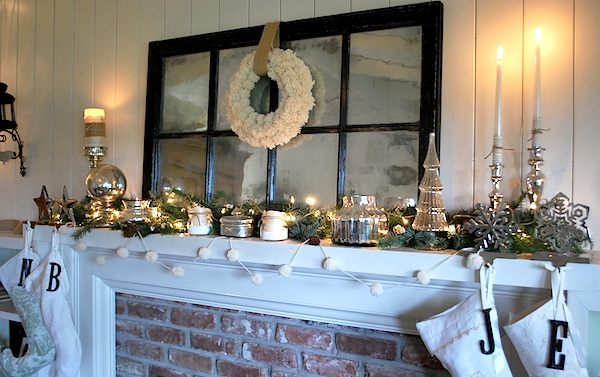White-Silver-Christmas-Mantel