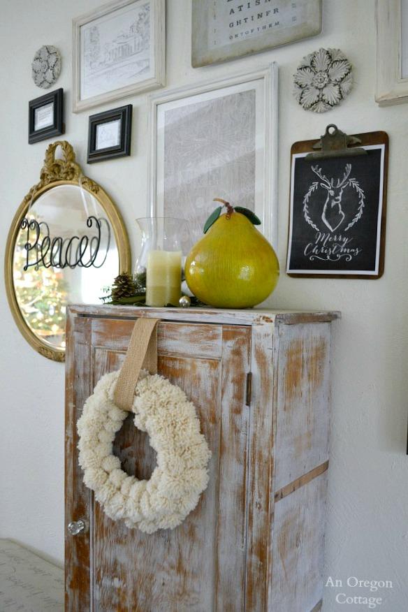 Wool Pom Pom Wreath-Gallery-Wall 2014