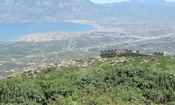gulf of corinth-ruin wall