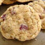 Whole grain oatmeal cookies close