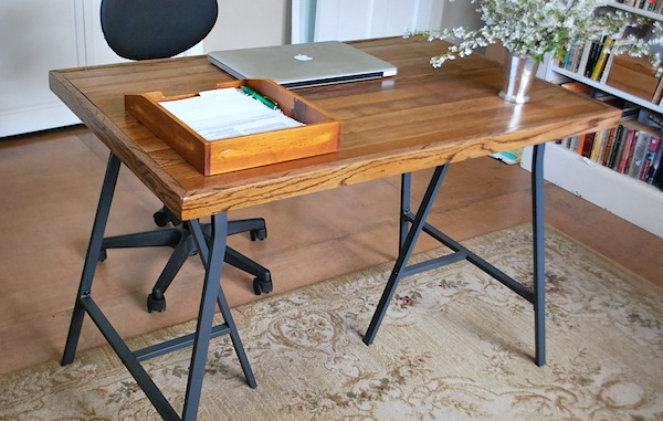 ... how I made a simple desk from Ikea trestle legs and old wood flooring