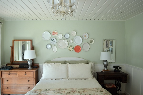 Bedroom Plate Wall - An Oregon Cottage
