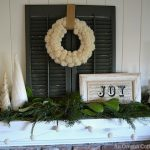 Green & White Christmas Decor {Friday Photos}