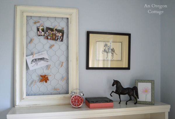DIY Recycled Frame Chicken Wire Photo Holder - An Oregon Cottage