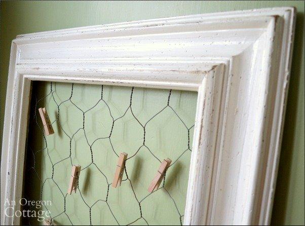Frame detail DIY chicken wire photo holder