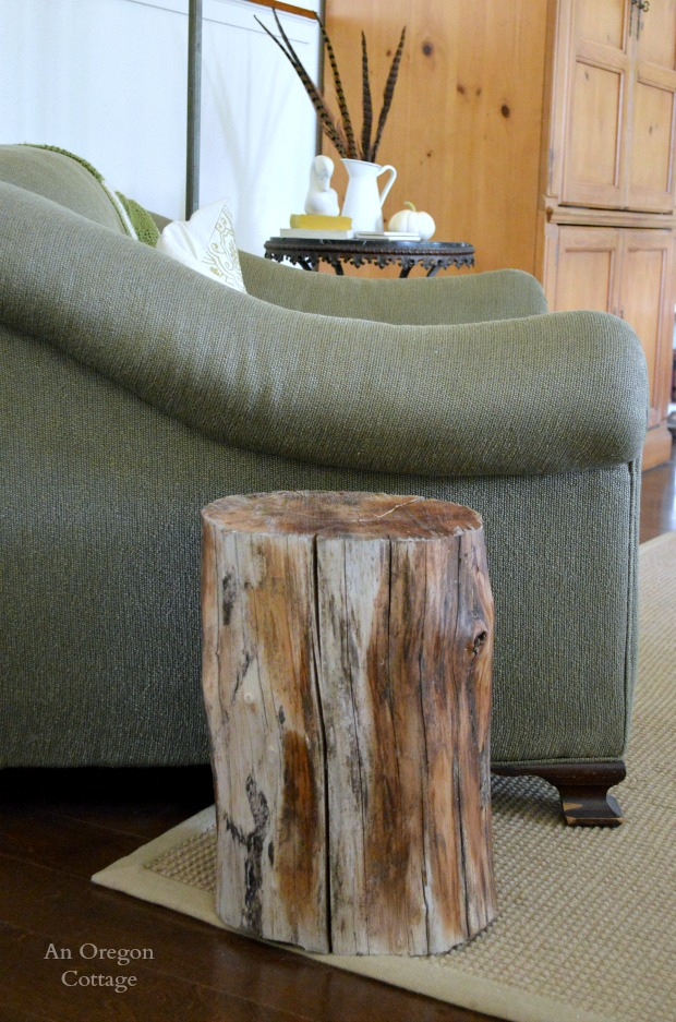 Wood stump side table for Diy wood stump side table