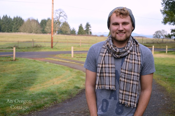 Handmade Gifts for Men- DIY Flannel Scarf for Guys