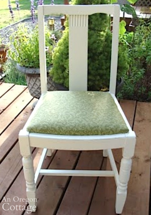 Using Paint Sprayer-finished chair