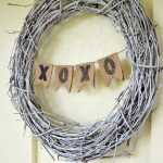 Simple Burlap Valentine Banner Wreath