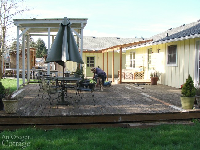DIY Backyard Makeover-whole deck before