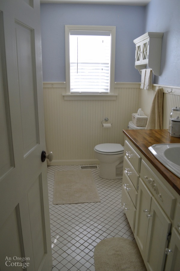 Cottage Bathroom with Blinds