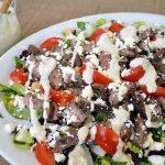 Easy Main Dish Steak Salad with Creamy Garlic-Pepper Dressing