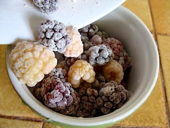 Floured Berries for crisp