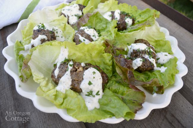 Grilled beef lettuce wraps with a garlic-yogurt sauce