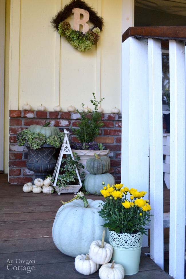Fall Porch 2015 entry-neutral and natural fall decor