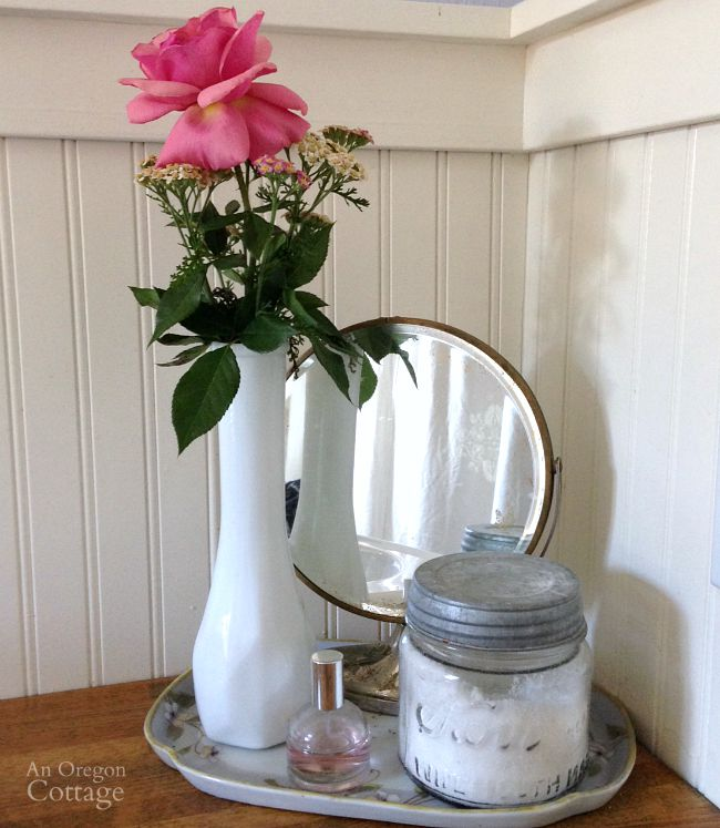 Rose-Yarrow Vintage Bath Vignette