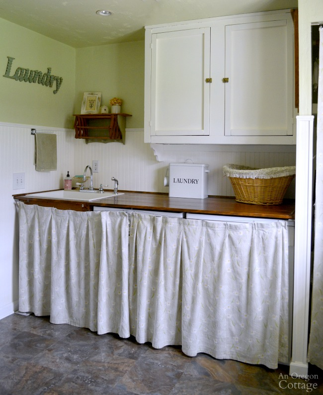 Cottage farmhouse laundry mudroom makeover for Farmhouse plans with mudroom