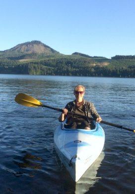 Three Things 08.06.16: Kayaking, Dried Plum Hack, Favorite Hair Combo + Links