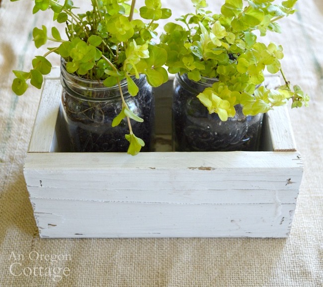 DIY Reclaimed Wood Box-Mason Jar gift