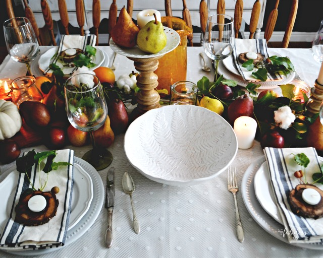 Natural-Thanksgiving-Table via MyFabulessLife.com_