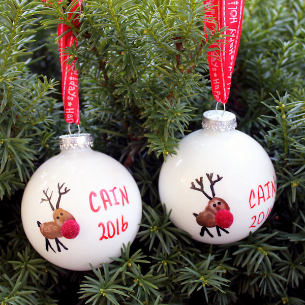 fingerprint-ornament-for-christmas-at-the-country-chic-cottage
