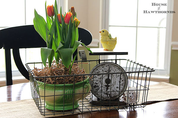 DIY-Easter-Centerpiece at House of Hawthornes